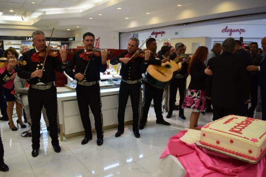 317230e96a Inauguran Liverpool Chihuahua Presidentes en Plaza Galerías